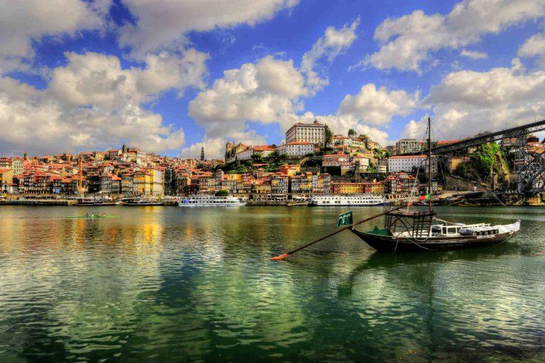 happy-porto-hostel-porto-hostels-porto-ribeira